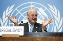 epa05280463 Staffan de Mistura, UN Special Envoy of the Secretary-General for Syria, speaks during a press conference after a round of negotiations about the Syrian Crisis, at the European headquarters of the United Nations in Geneva, Switzerland, 28 April 2016.  EPA/MARTIAL TREZZINI