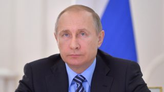 epa05328450 Russian President Vladimir Putin attends via a video link  launching of loading of the first tanker with oil from the Gazprom Neft's  Novoportovskoye field at the Vorota Arktiki (Arctic Gate) terminal, at the Situation Center at the Kremlin in Moscow, Russia, 25 June 2016. The new terminal is a sea-based facility with design capacity of 8.5 million tonnes. The terminal was built to facilitate year-round sea transportation of oil, including in extreme weather and geographical conditions.  EPA/ALEXEI DRUZHININ / SPUTNIK / KREMLIN POOL MANDATORY CREDIT