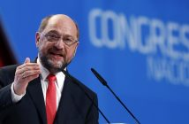 epa05345328 European Parliament President Martin Schulz delivers his speech at the 21st Congress of the Portuguese Socialist Party (PS) at the Parque das Nacoes in Lisbon, Portugal, 04 June 2016.  EPA/TIAGO PETINGA
