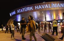 epa05397006 Turkish police block the entrance after a suicide bomb attack at Ataturk Airport in Istanbul, Turkey, 28 June 2016. At least 28 people were killed and 60 injured in two separate explosions that hit Ataturk Airport.  EPA/SEDAT SUNA