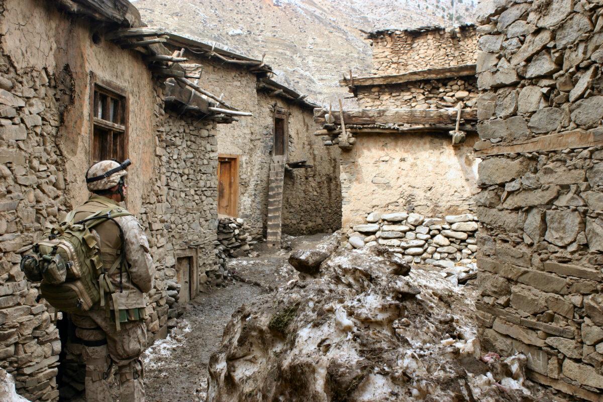 Афганистан, март 2005 г. Снимка: U.S. Marine Corporal James L. Yarboro