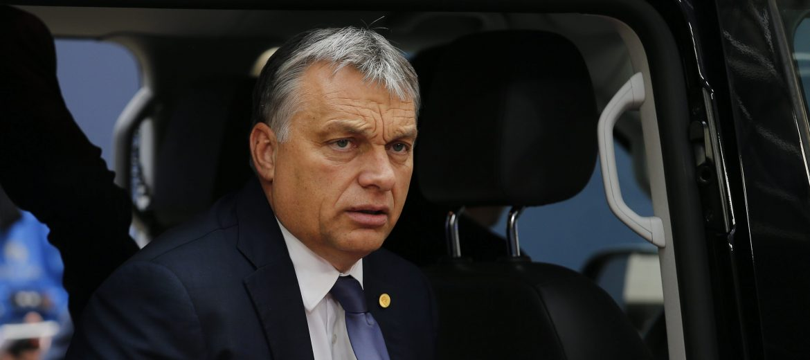 epa05396348 Hungarian Prime Minister Viktor Orban arrives for the European Summit in Brussels, Belgium, 28 June 2016. EU leaders meet in Brussels on 28 June for the first time since the British referendum, in which 51.9 percent voted to leave the European Union (EU).  EPA/JULIEN WARNAND