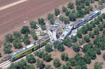 epa05421608 A handout picture provided by the Italian Fire Brigade on 12 July 2016 shows the crash site where two trains collided on a single-track stretch between Ruvo di Puglia and Corato, southern Italy, 12 July 2016. A least ten people have been killed and dozens injured according to reports.  EPA/ITALIAN FIRE BRIGADE / HANDOUT  HANDOUT EDITORIAL USE ONLY/NO SALES HANDOUT EDITORIAL USE ONLY/NO SALES
