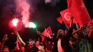 Превратът в Турция, снимка: EPA/TOLGA BOZOGLU