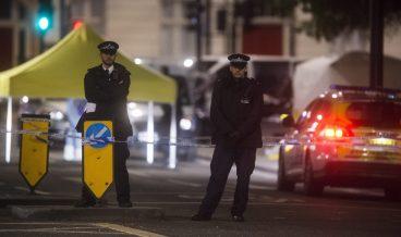 лондон полиция разследване мъж уби с нож жена и рани други 5