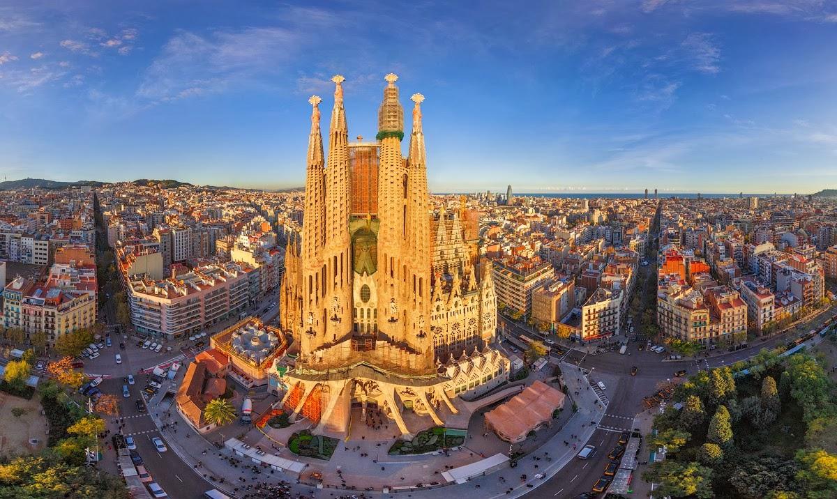 Барселона, Испания снимка: connect-123.com