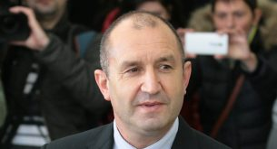 Радев: Връзката между Цветанов и изтребителите е, че говори на автопилот