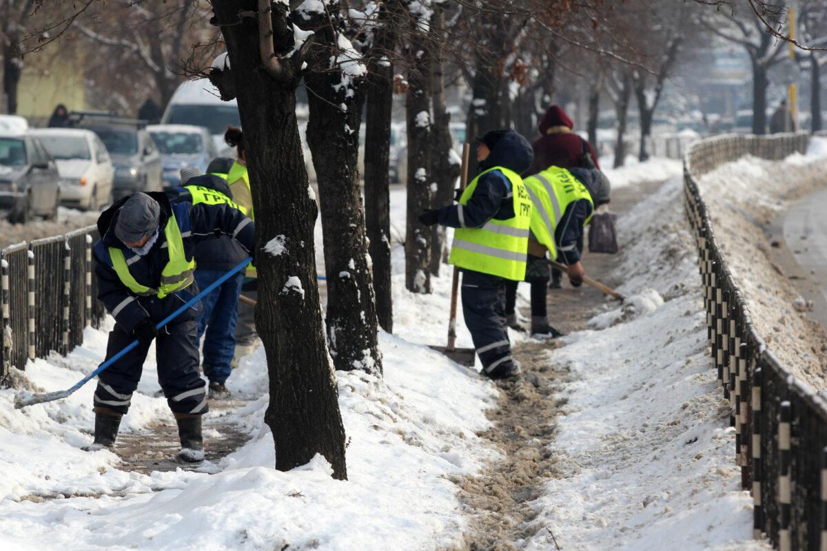 София, зима, сняг, чистене