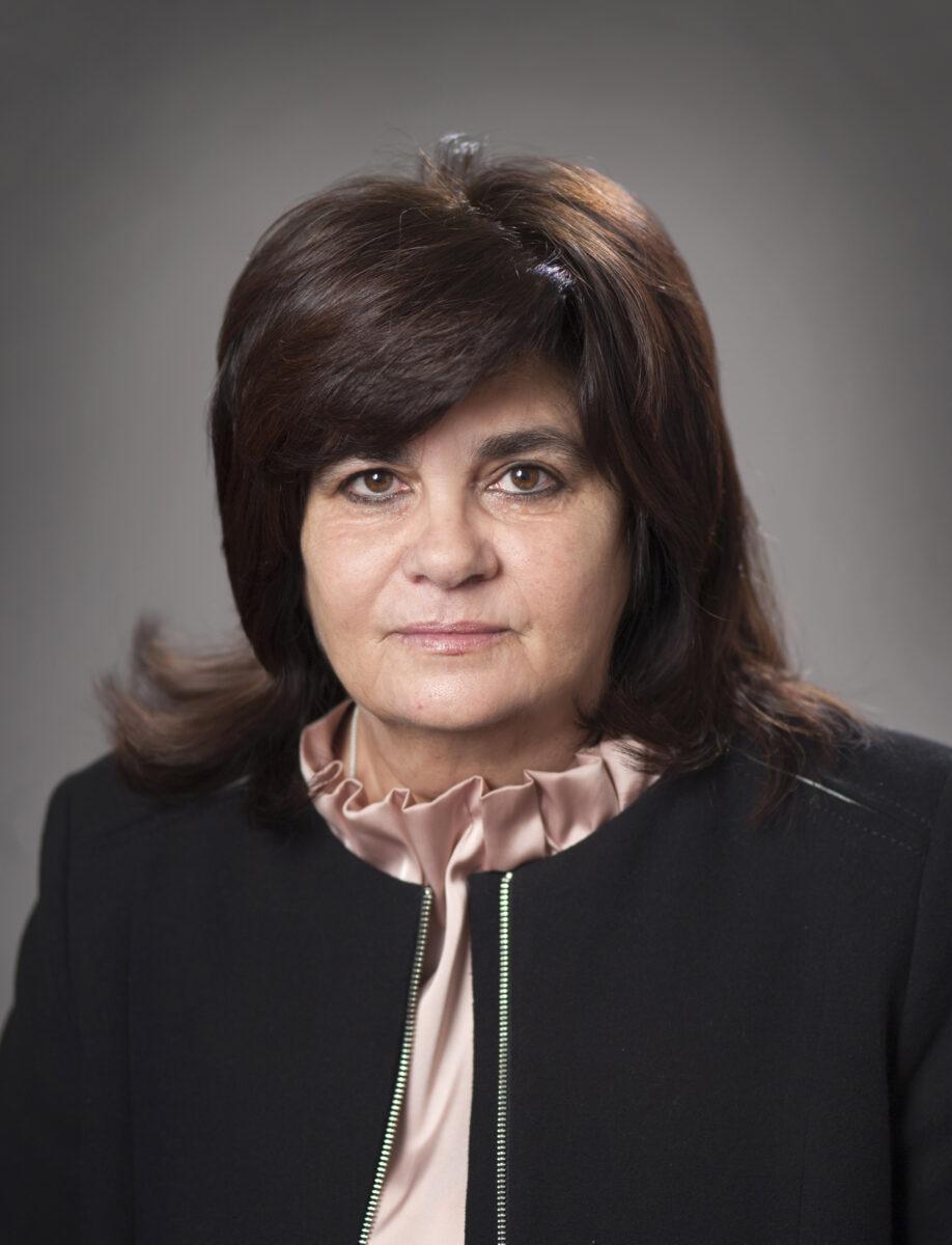 Ирина Костова– служебен министър на околната среда и водите