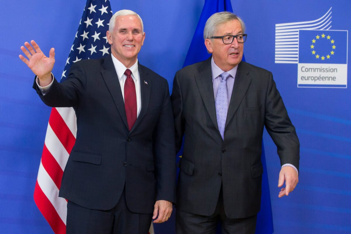 epa05805094 US Vice President Mike Pence (L) is welcomed by EU Commission President Jean-Claude Juncker (R) ahead of their meeting at the EU Commission in Brussels, Belgium, 20 February 2017. US Vice President Pence is on a two-days visit to Brussels to meet representatives of the EU Insitutions and the North Atlantic Treaty Organization (NATO). EPA/STEPHANIE LECOCQ