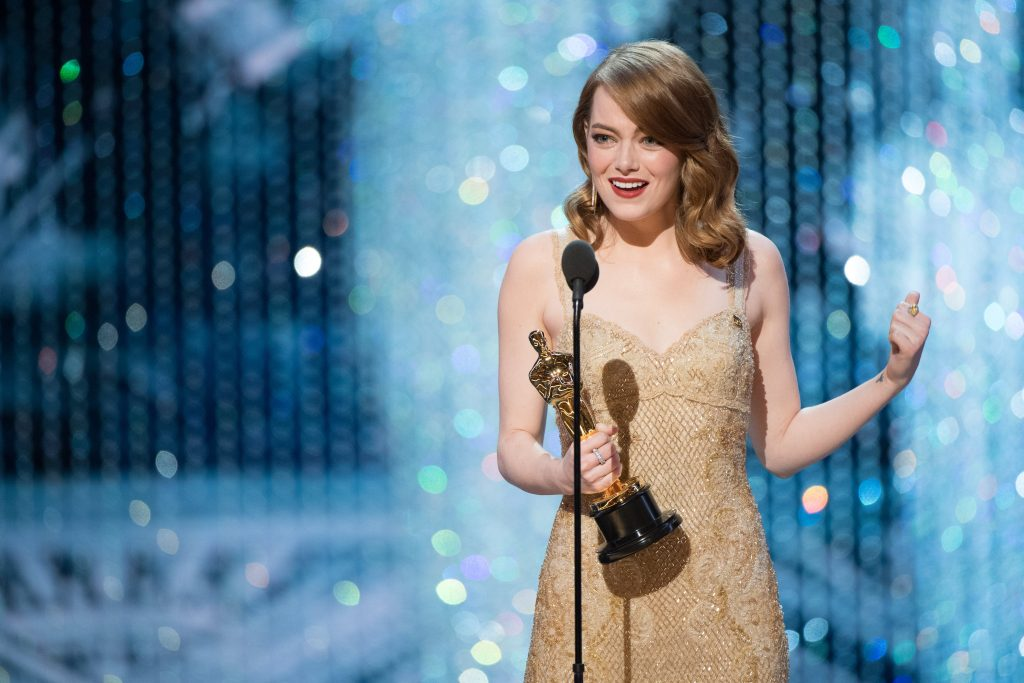 epa05818085 A handout photo made available by the Academy of Motion Picture Arts and Science (AMPAS) on 26 February 2017 shows Emma Stone accepting the Oscar for Performance by an actress in a leading role, for work on 'La La Land' during the 89th annual Academy Awards ceremony at the Dolby Theatre in Hollywood, California, USA, 26 February 2017. The Oscars were presented for outstanding individual or collective efforts in 24 categories in filmmaking.  EPA/AARON POOLE / AMPAS THE IMAGE MAY NOT BE ALTERED AND IS FREE FOR EDITORIAL USE ONY IN REPORTING ABOUT THE EVENT. ONE TIME USE ONLY. MANDATORY CREDIT. HANDOUT EDITORIAL USE ONLY/NO SALES
