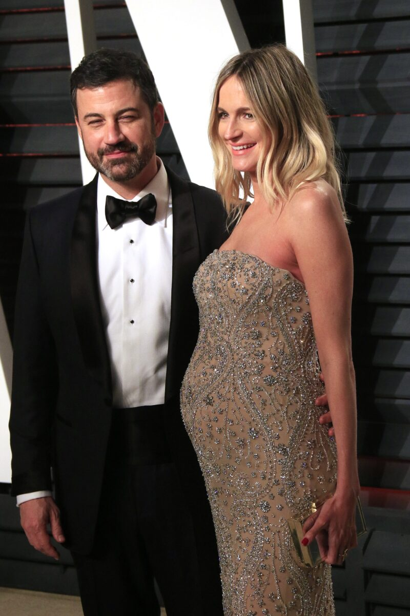 Jimmy Kimmel (L) and wife Molly McNearney