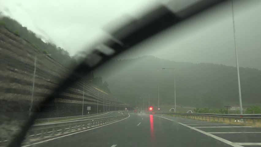 магистрала лошо време тунел
