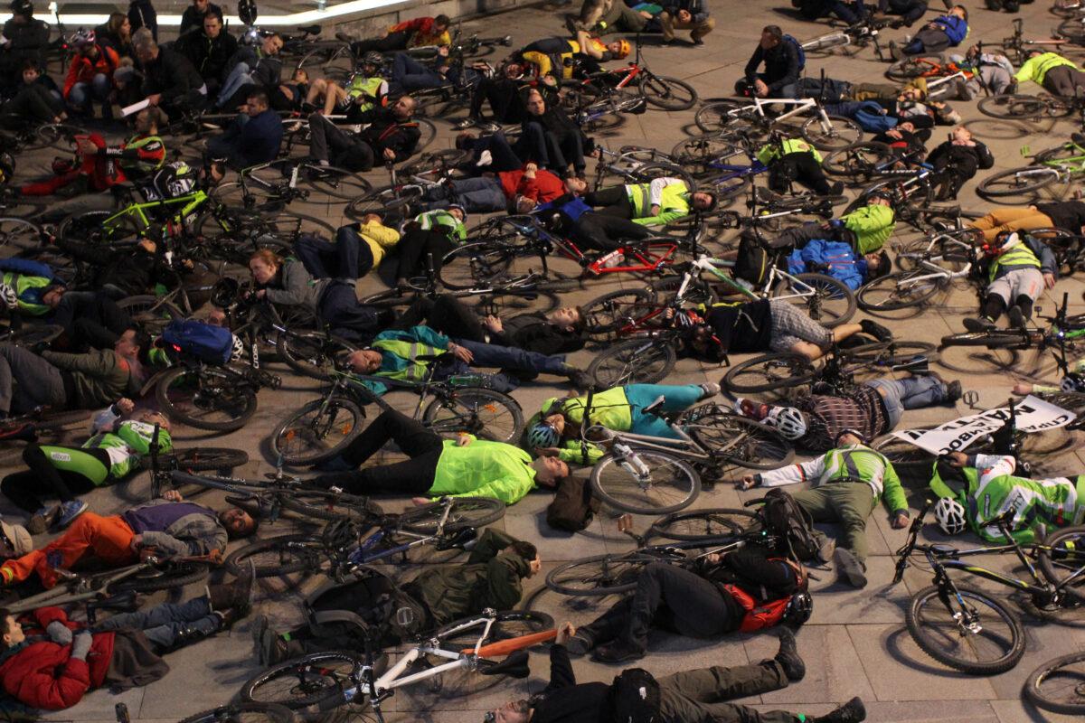 велосипедисти, колело, велосипед