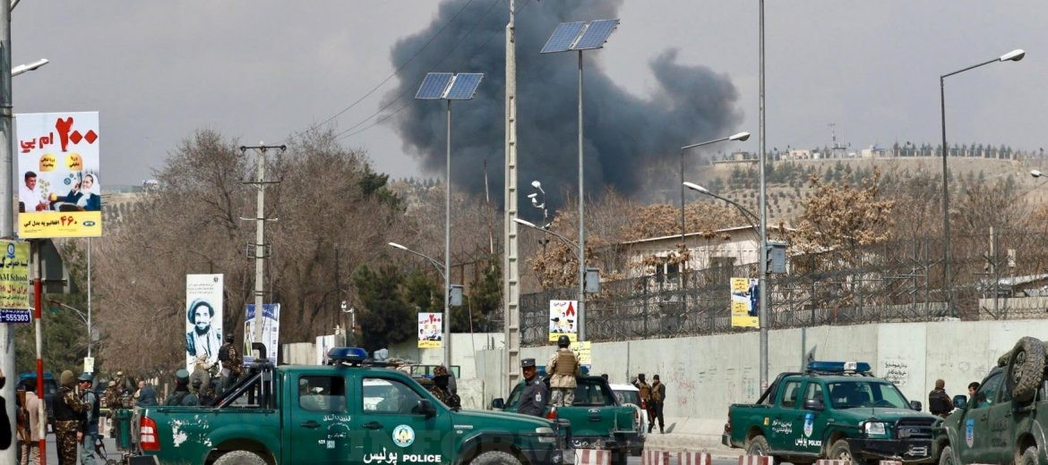 epa05835559 Security forces guard the area as smoke billows from the Sardar Daud Khan's Hospital, also known as Kabul Military Hospital, during an attack by suspected militants in Kabul, Afghanistan, 08 March 2017. According to reports, blasts and ongoing gunfire were heard at the hospital. The number of causalities is yet unknown.  EPA/HEDAYATULLAH AMID