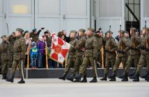 epa05928683 The ceremonial farewell of the F-16 planes and soldiers of the Polish military contingent ORLIK 7 in the 31st Tactical Aviation Base in Poznan - Krzesiny, central Poland, 26 April 2017. The soldiers will serve for four months as part of the North Atlantic Treaty Organization (NATO) Allied Forces in the military air surveillance mission of the Baltic States.  EPA/Jakub Kaczmarczyk POLAND OUT