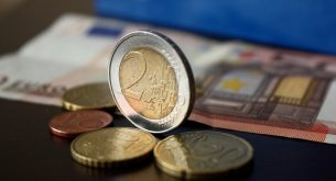 38% of Bulgarians approve the introduction of the euro