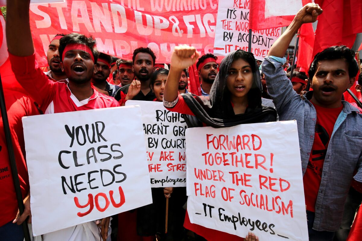 epa05938356 Indian laborers and members of different trade unions attend a rally to mark the International Labor Day rally, in Bangalore, India, 01 May 2017. Labour Day or May Day is observed all over the world on the first day of the May to celebrate the economic and social achievements of workers and fight for labourers rights. EPA/JAGADEESH NV