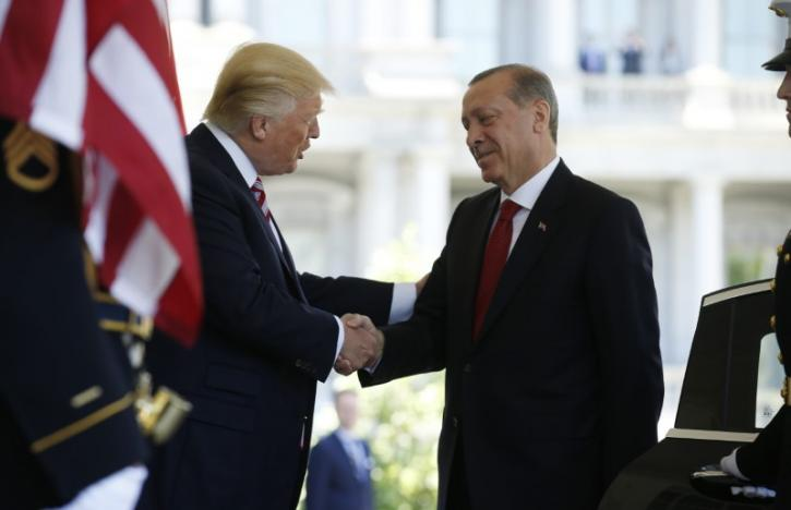 U.S President Donald Trump (L) welcomes Turkey's President Recep Tayyip Erdogan at the entrance to the West Wing of the White House in Washington, U.S. May 16, 2017. REUTERS/Joshua Roberts