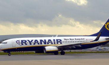 Bristol_airport_ryanair_EI-DLO