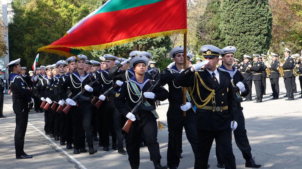 тържественото полагане на военна клетва на курсанти от Висшето военноморско училище във Варна