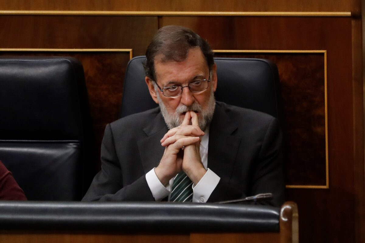 epa06272691 Spanish Prime Minister, Mariano Rajoy, attends Question Time at the Lower House in Madrid, Spain, 18 October 2017. EPA/Juan Carlos Hidalgo