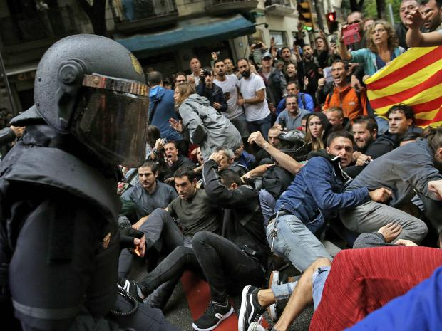 catalonia-crowd