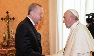 epa06497893 Pope Francis (R) welcomes Turkish President Recep Tayyip Erdogan (L) during a private audience at the Vatican, 05 February 2018. Talks with Pope Francis are expected to be focused on the USA's move of its Israeli embassy to Jerusalem. Erdogan is on a visit to Italy and the Vatican.  EPA/ALESSANDRO DI MEO / POOL