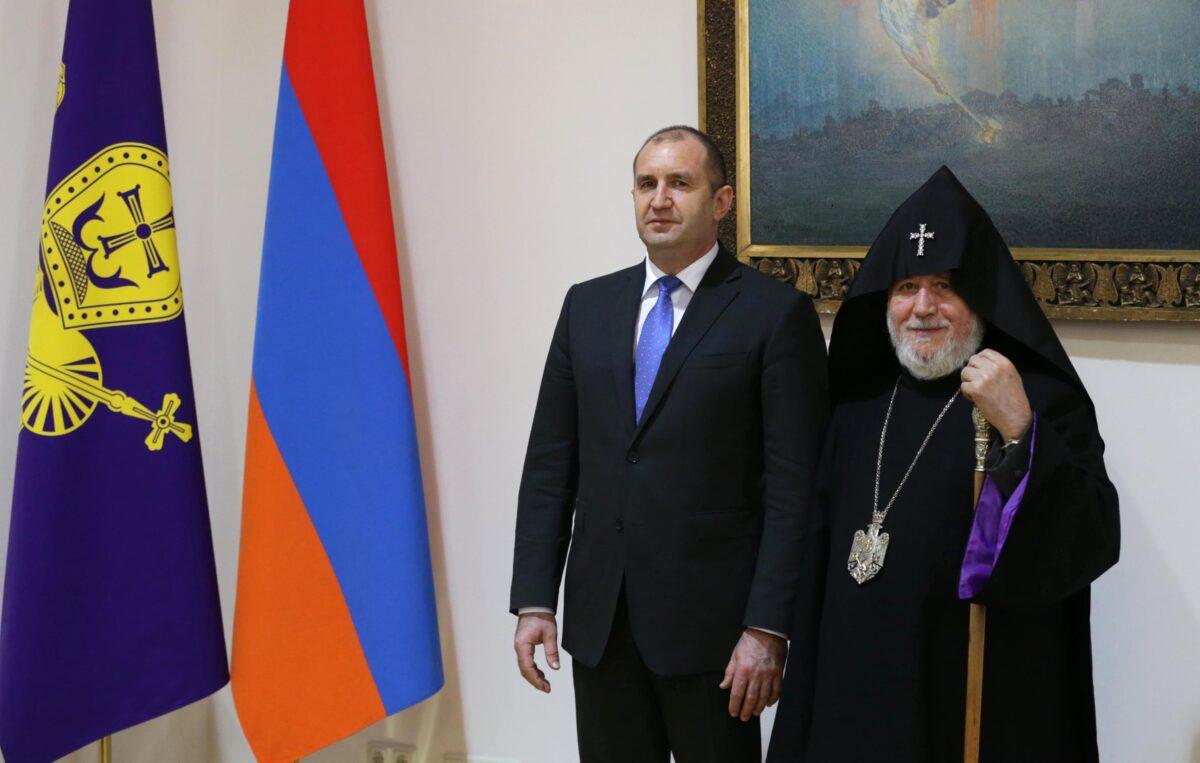 Румен Радев и Негово Светейшество Карекин Втори снимка: БГНЕС