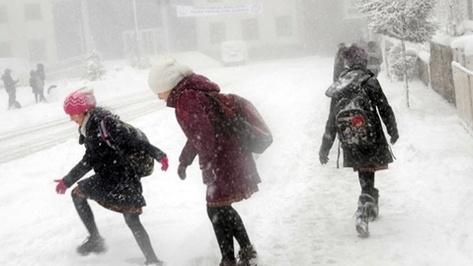 деца, сняг