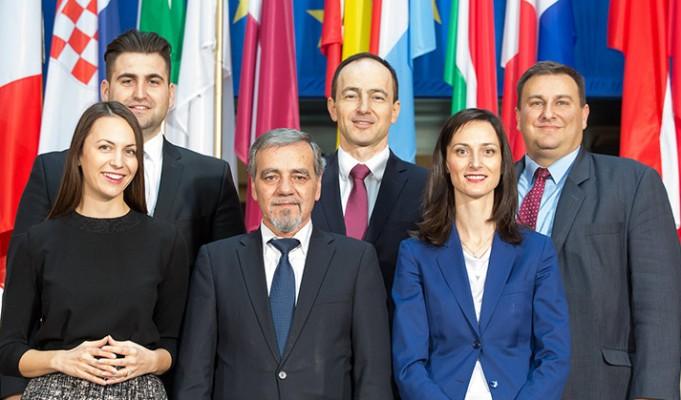 евродепутати герб