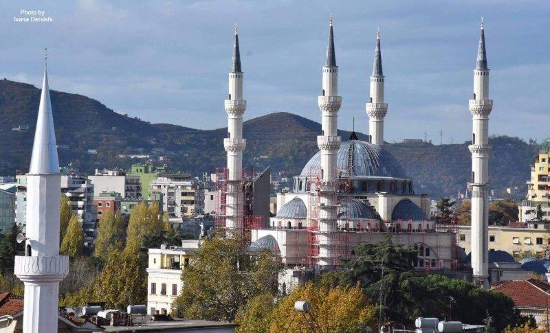 Новата голяма джамия в Тирана, Албания снимка: Уикипедия