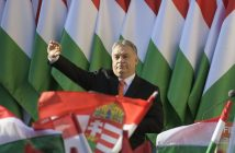epa06650548 President of the ruling Fidesz party, Prime Minister Viktor Orban waves as he attends the final electoral rally of Fidesz in Szekesfehervar, some 63km southwest of Budapest, Hungary, 06 April 2018. Hungary will hold its general election on 08 April.  EPA/ZSOLT SZIGETVARY HUNGARY OUT