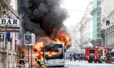 Bus on fire in the center of Rome