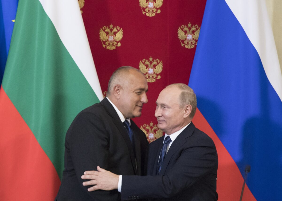 epa06773919 Russian President Vladimir Putin (R) and Bulgarian Prime Minister Boyko Borissov (L) hug each other after a joint news conference following their talks in the Kremlin in Moscow, Russia, 30 May 2018. Putin and Borissov discussed the possibility of extending a prospective natural gas pipeline from Russia to Turkey to reach Bulgaria and make the country a major gas hub for southern Europe. EPA/PAVEL GOLOVKIN / POOL