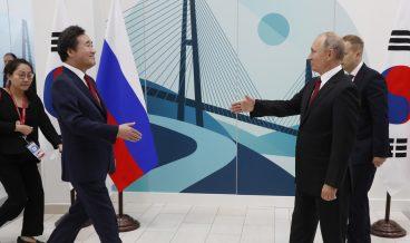 Путин и Шиндзо Абе, снимка: БГНЕС