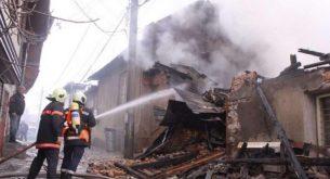 Пожар изпепели четири къщи във Велико Търново