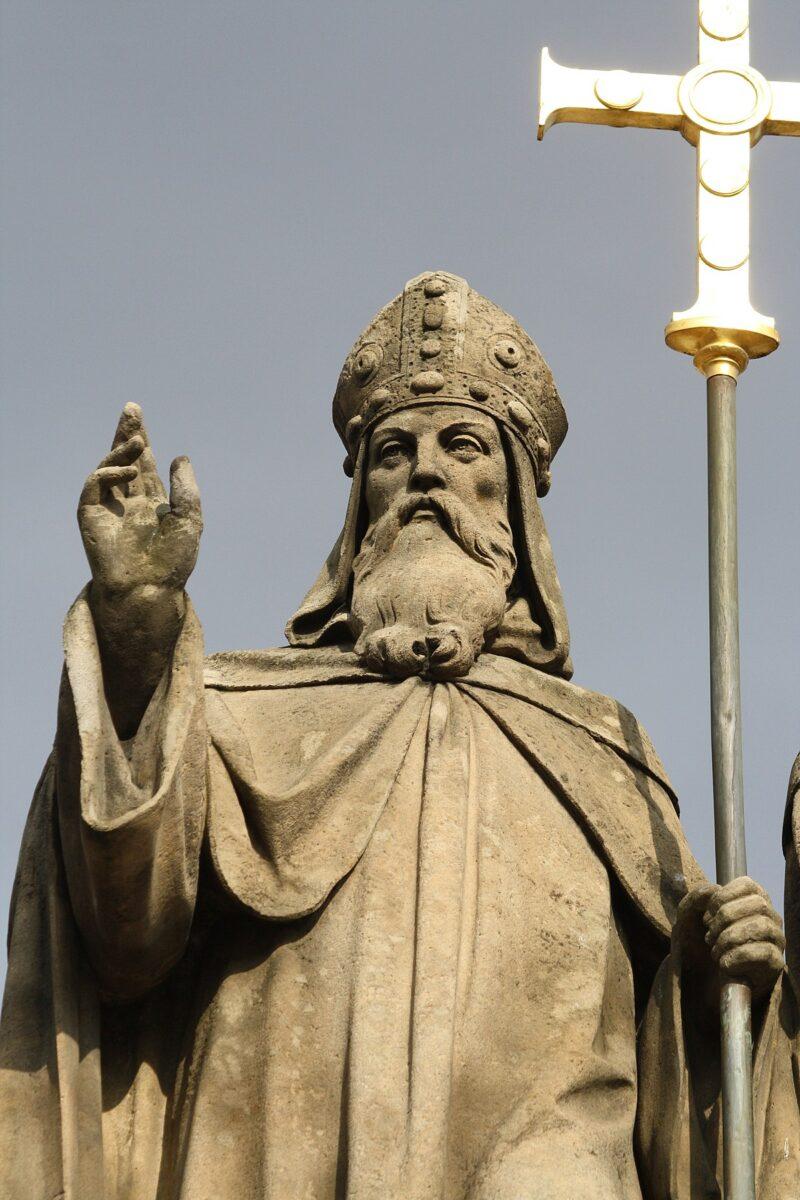 1200px-Saint_Cyrill_statue_in_Třebíč,_Třebíč_District