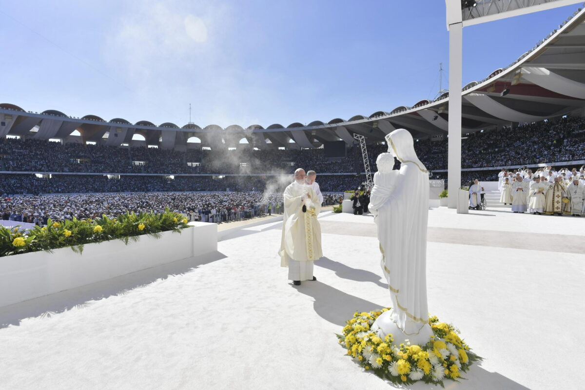 epa07344760 A handout picture provided by the Vatican Media shows Pope Francis leading a Holy mass in Zayed Sport City Stadium, Abu Dhabi, United Arab Emirates, 05 February 2019.  EPA/VATICAN MEDIA HANDOUT  HANDOUT EDITORIAL USE ONLY/NO SALES