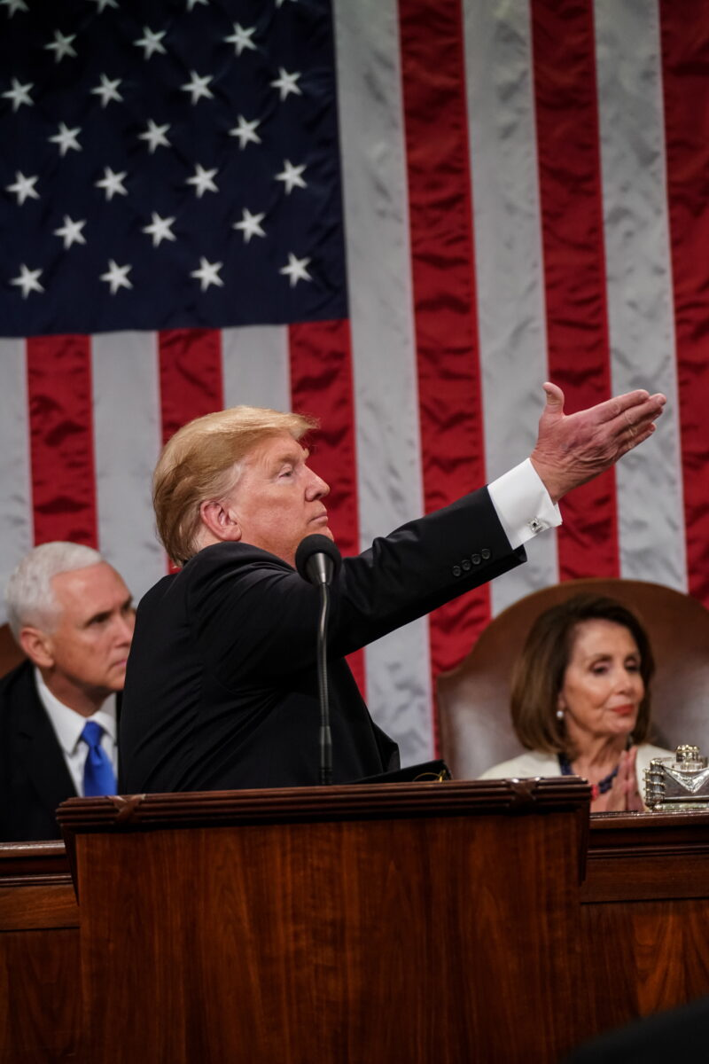 epa07346846 US President Donald J. Trump (C) delivers the State of the Union address, with Vice President Mike Pence and Speaker of the House Nancy Pelosi at the Capitol in Washington, DC, USA, 05 February 2019.  EPA/Doug Mills / POOL