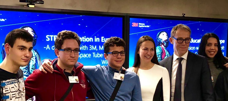 Eva Maydell and BG Students