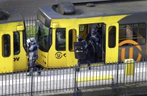 epa07446633 Special Police Forces inspect a tram, after the attack on a tram at the 24 Oktoberplace in Utrecht, The Netherlands, 18 March 2019. According to the the Dutch Police, several people have been injured in a shooting on a tram in the central Dutch city of Utrecht. The perpetrator is still at large.  EPA/RICARDO SMIT