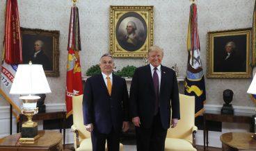 epa07568123 US President Donald J. Trump (R) welcomes Hungarian Prime Minister Viktor Orban to the White House in Washington, DC, USA, 13 May 2019.  EPA/Szilard Koszticsak HUNGARY OUT