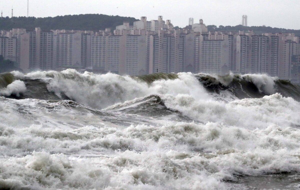 typhoon-lingling-three-killed-as-winds-batter-south-korea-while-thousands-are-left-without-power-due-to-storm