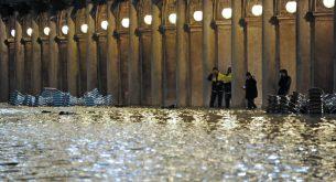 Извънредно положение е обявено във Венеция заради проливните дъждове (галерия)