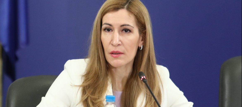 Ангелкова: Няма да се затварят хотели при случай на коронавирус