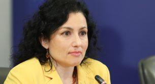 Десислава Танева: Заведенията спазват противоепидемичните мерки след отварянето