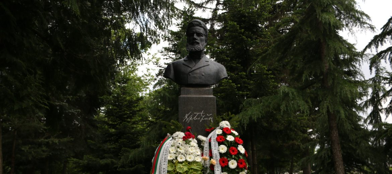 България чества 144 години от подвига на Ботевата чета и гибелта на революционера Христо Ботев (снимки)