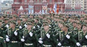 Путин: Русия ще продължи твърдо да защитава националните си интереси (галерия)